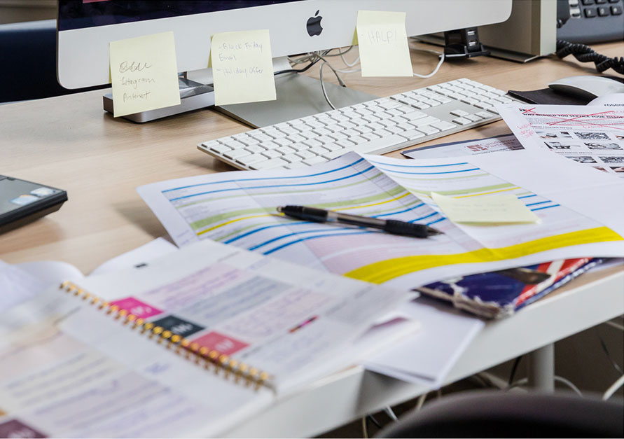 A very unorganized desk